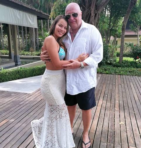 63-летний миллионер сделал предложение молодой возлюбленной на красной дорожке Каннского кинофестиваля