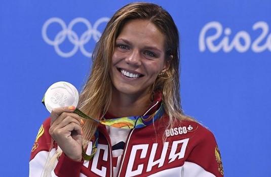 Пловчиха-красотка Юлия Ефимова впервые снялась топлес, показав свои ананасы