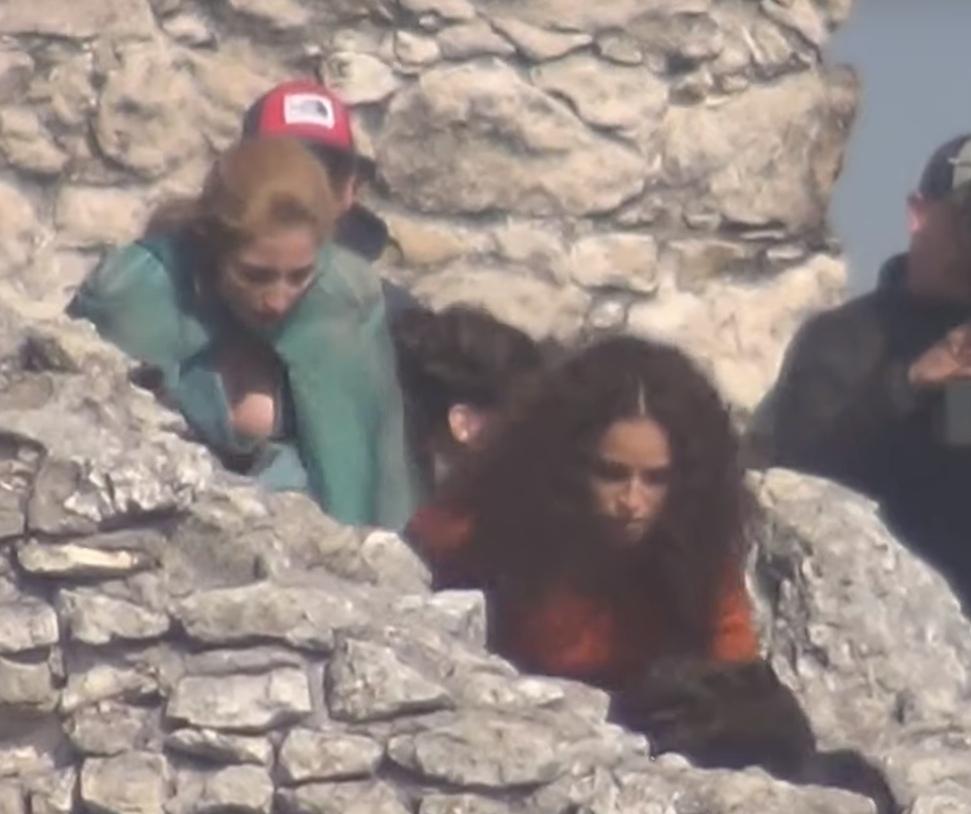 Анна Шаффер в роли Трисс на кадрах сериала «Ведьмак»