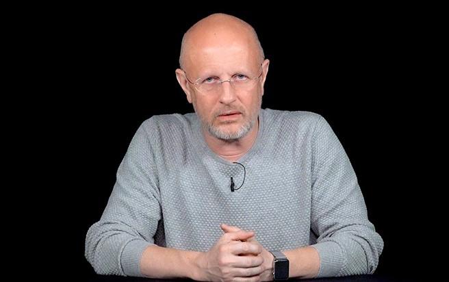 """""""Скинемся"""": Дмитрий """"Goblin"""" Пучков намерен помочь BadComedian с выплатой миллиона по иску"""
