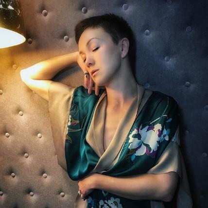 """""""Быть собой..."""": Дарья Мороз снялась без одежды в провокационной фотосессии с брутальным мужчиной"""