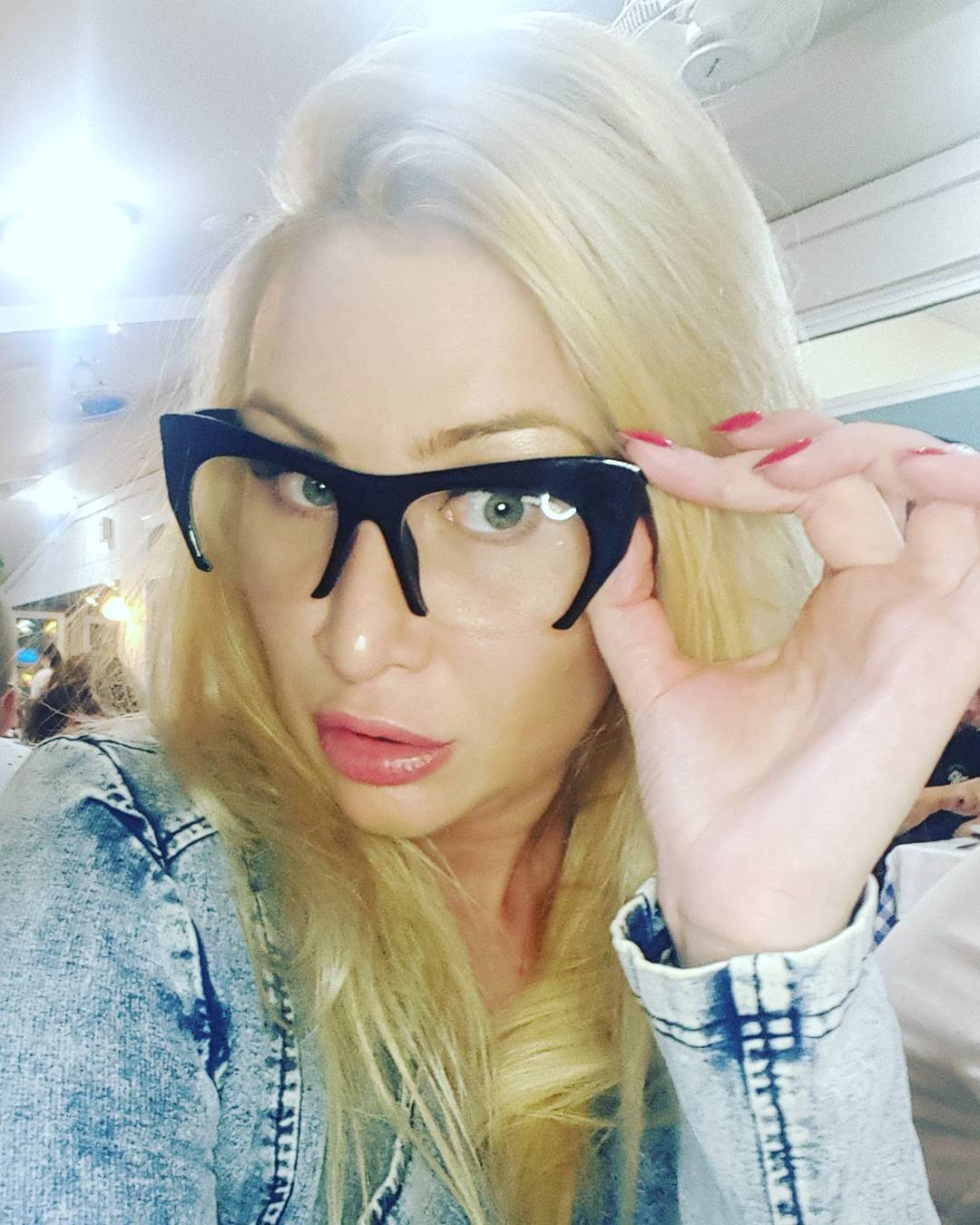 Диана Бичарова: 13 миллионов подписчиков Бузовой - боты