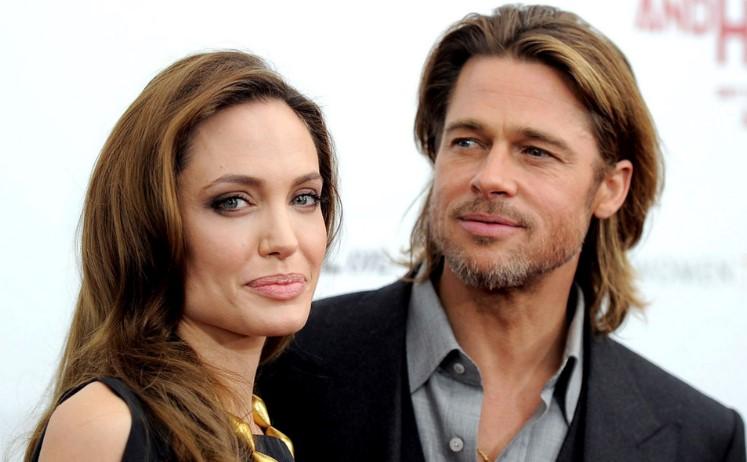 """""""Она счастлива"""": Близкие Анджелины Джоли рассказали о её личной жизни после развода с Брэдом Питтом"""