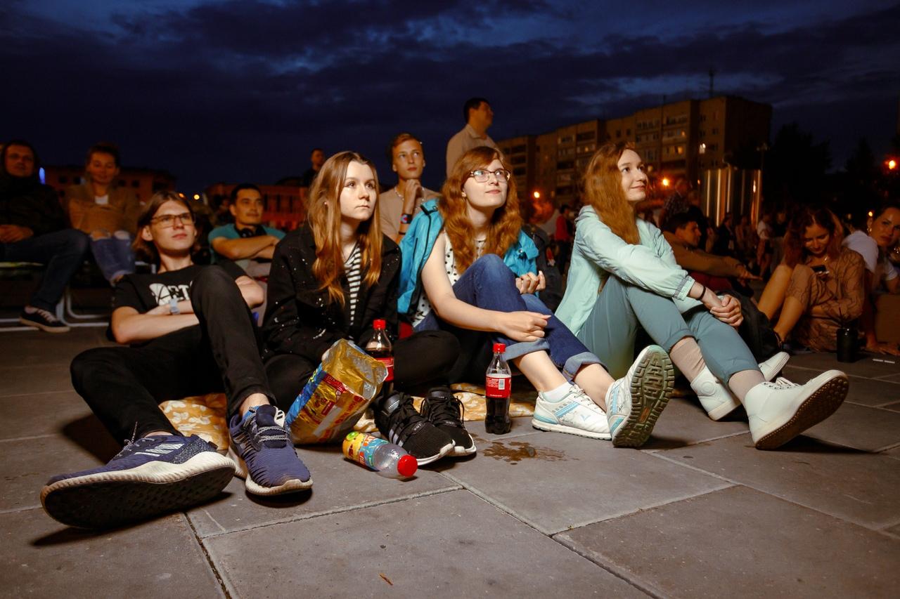200000 зрителей посмотрели кино бесплатно на улицах