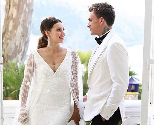 Регина Тодоренко и Влад Топалов сыграли пышную свадьбу на побережье Средиземного моря