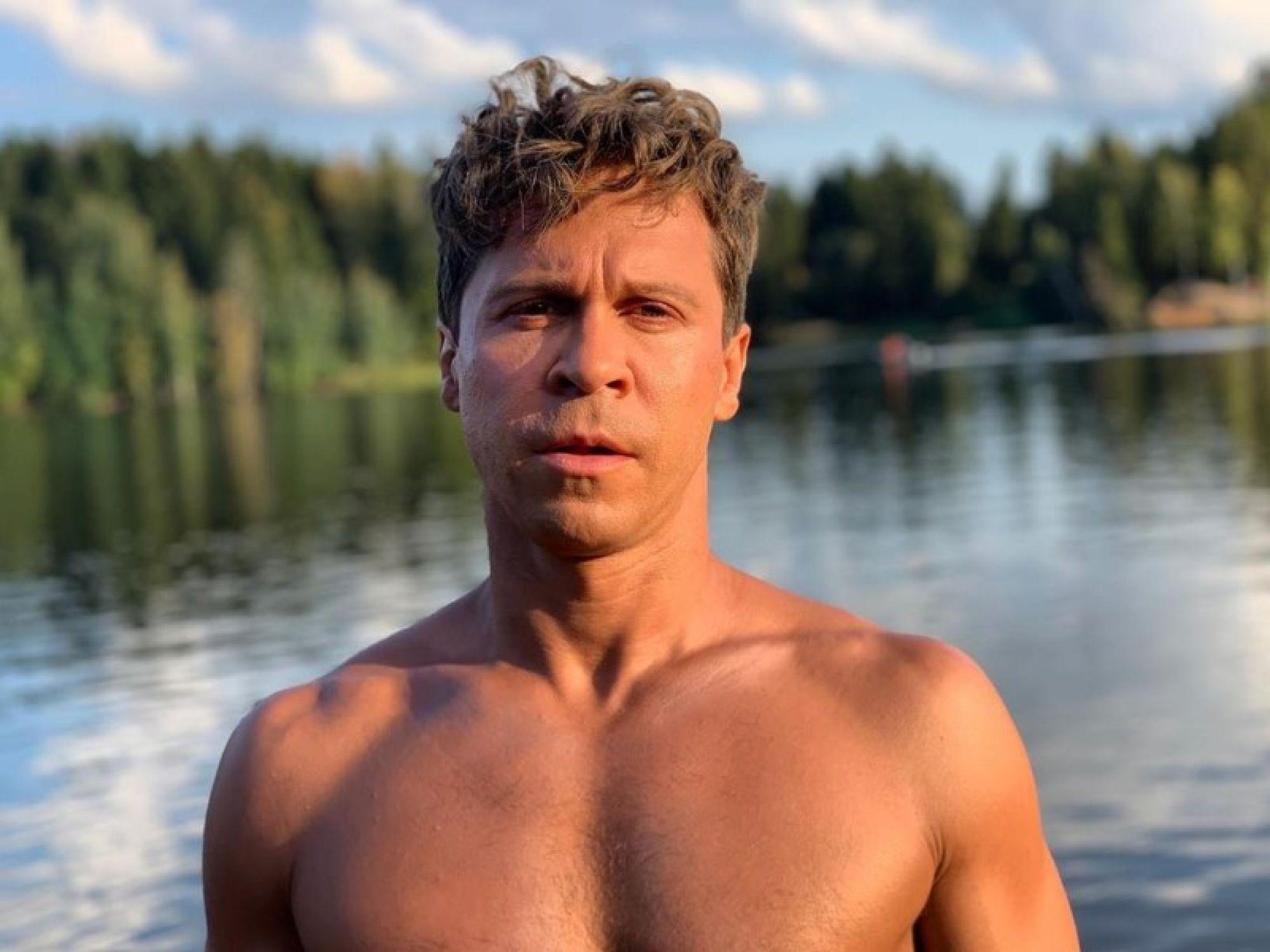 Павел Деревянко вышел на одиночный пикет в поддержку политзаключённых к администрации президента
