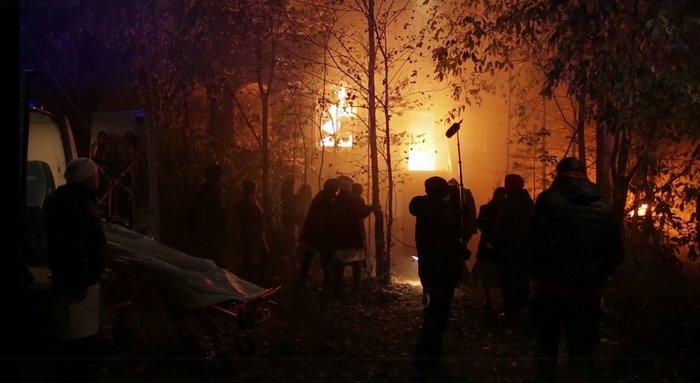 Съёмки сериала «Разбитое зеркало»: прыжки в бассейн Екатерины Волковой и горящий дом