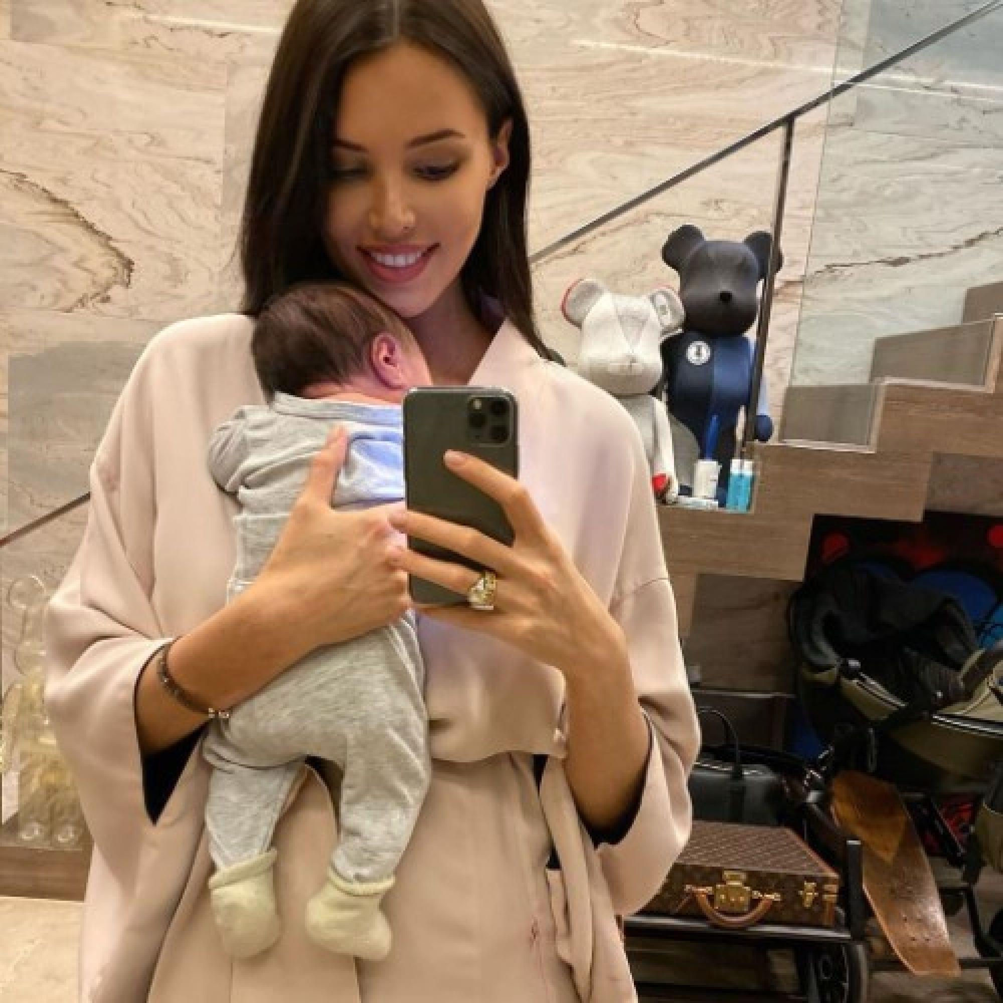 """""""Была уверена, что мне не избежать синдрома грустной мамы"""": Возлюбленная Тимати рассказала об ощущениях после родов"""