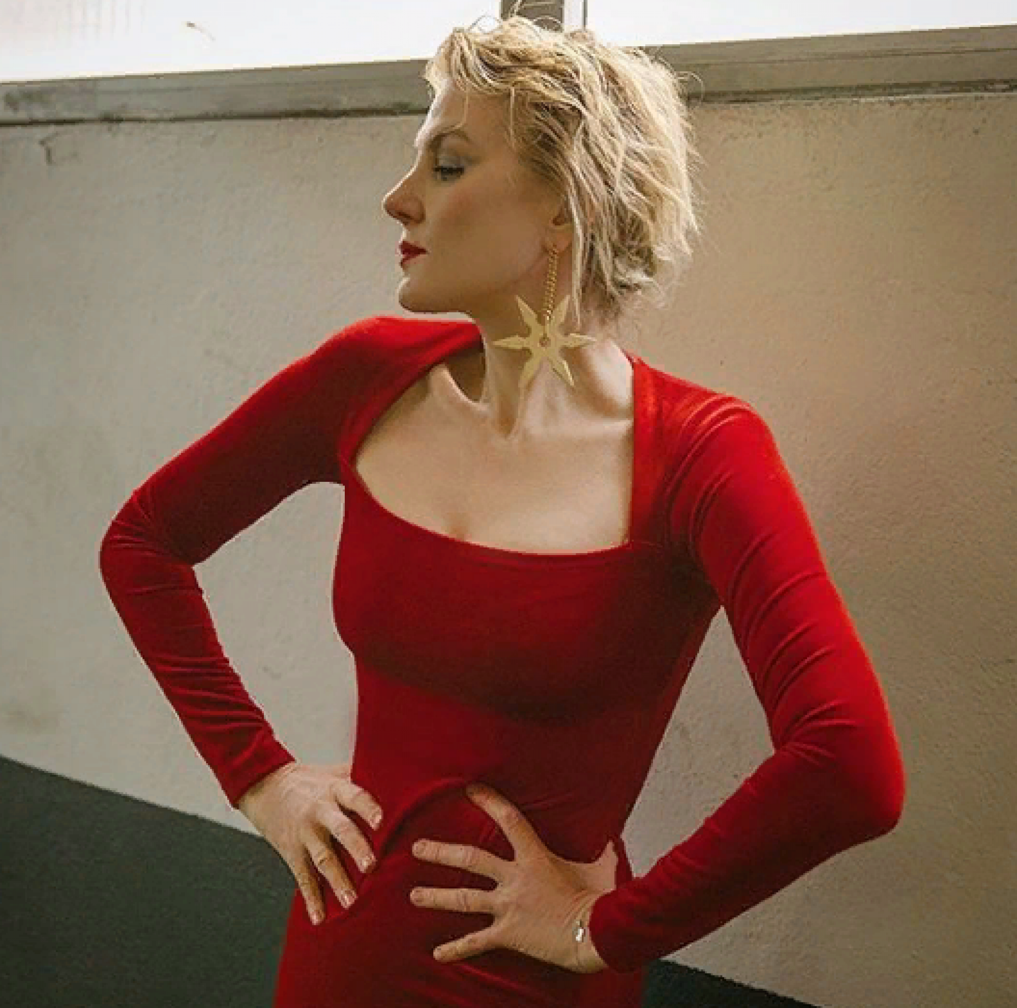 «Такое платье в ваши годы – перебор»: Ренату Литвинову осудили за откровенный наряд