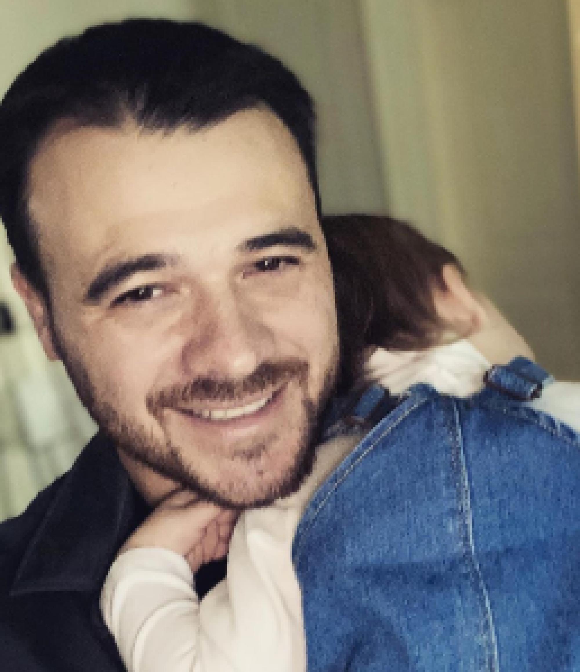 Певец Эмин объявил о втором разводе, поблагодарив супругу в соцсетях