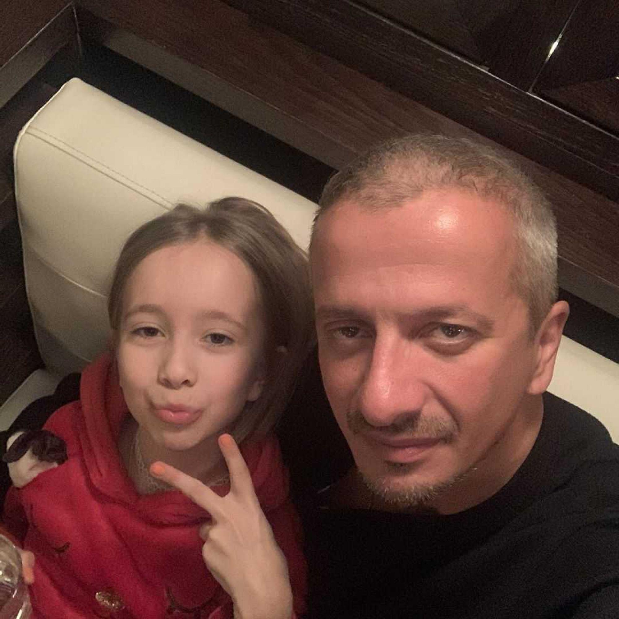 «Этому хрюнделю сегодня 10!»: Константин Богомолов поздравил дочь от Дарьи Мороз с юбилеем