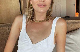 Лена Перминова в прозрачном купальнике-сетке свела поклонников с ума
