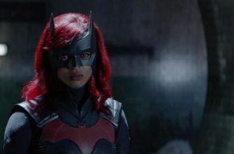 Раскрыт костюм новой Бэтвумен в Arrowverse. Ее сыграла Уоллис Дэй