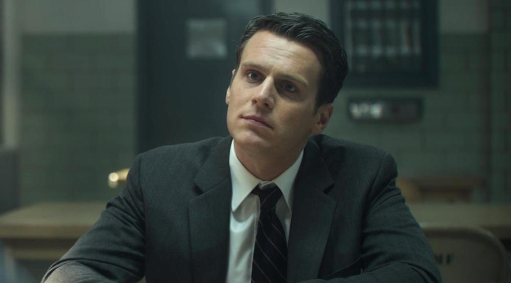 «Матрица 4»: Раскрыто, кто заменил Хьюго Уивинга в роли Агента Смита